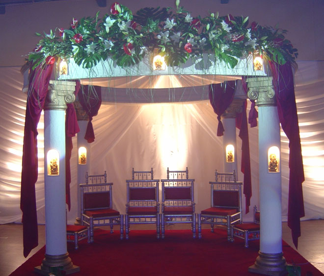 CEREMONY INDIAN WEDDING MANDAP