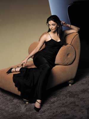 BOLLYWOOD AISHWARYA RAI EVENING GOWN